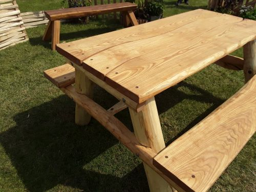 Sawn and round-wood picnic table