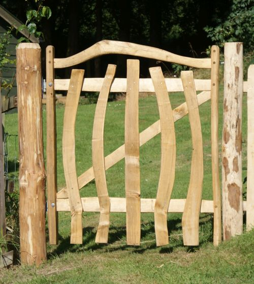 Cleft Chestnut Harvest gate with rustic quirky pickets