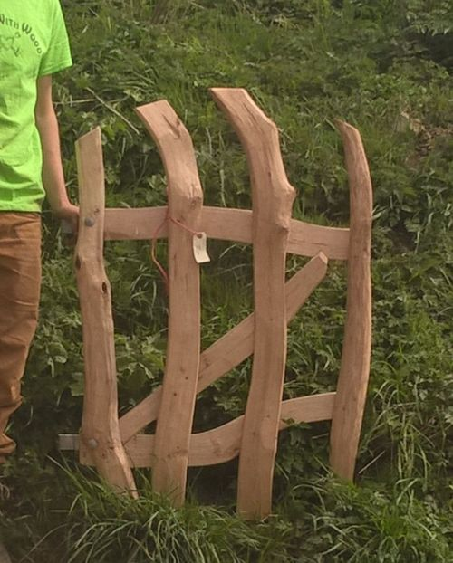 Rustic Cleft Chestnut 'wiggly' wicket gate