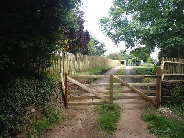 Rustic Sawn Oak and cleft Chestnut Mordiford gate
