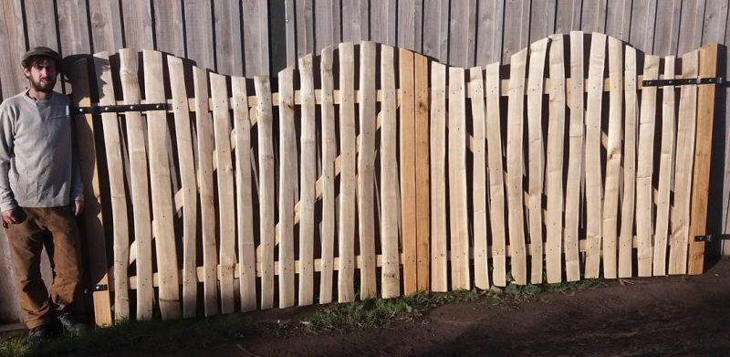 Pair of sawn Oak and Cleft Chestnut Avenbury gates