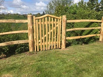Rustic Cleft Chestnut Harvest gate with bent rail