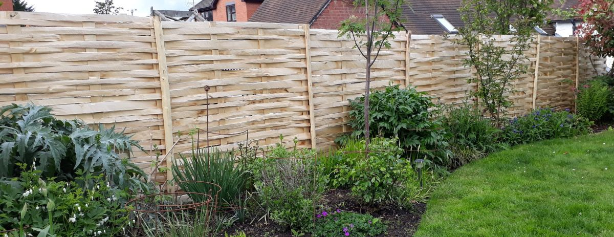 Cleft Chestnut lath panels make for a softer screen