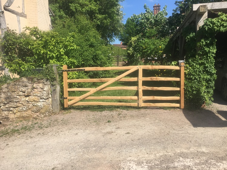 Sawn Oak and cleft Chestnut Mordiford driveway gate