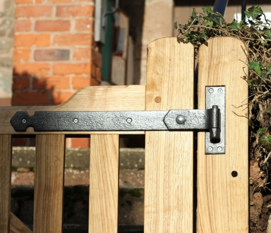 Church Gate using refurbished hinges