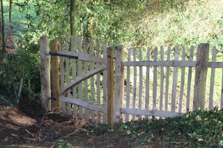 Sawn Oak and cleft Chestnut Avenbury Gate with rustic picket fencing