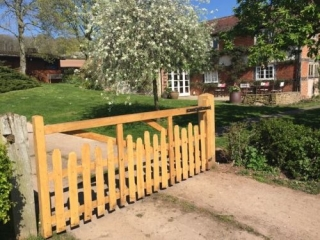 Sawn Oak and cleft Chestnut West Midlands gate
