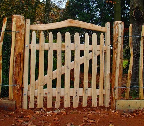 Rustic Cleft Chestnut Harvest gate with bent rail and even pickets