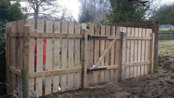 Bespoke sawn Chestnut fence and gate