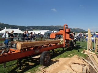 Mobile saw milling at the 3 counties show
